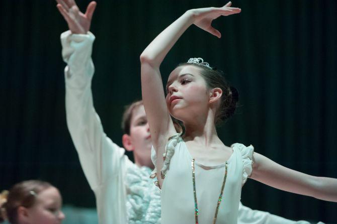 Odlomek iz baletne pravljice Pepelka (maj 2014)