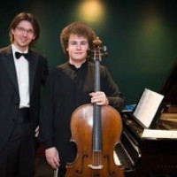 Sebastian Bertoncelj - violončelo, Lorenzo Cossi - klavir, koncert