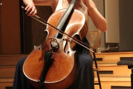 Koncert - Lara Ramšak, klarinet in Neža Verstovšek, violončelo, 22. maj 2015