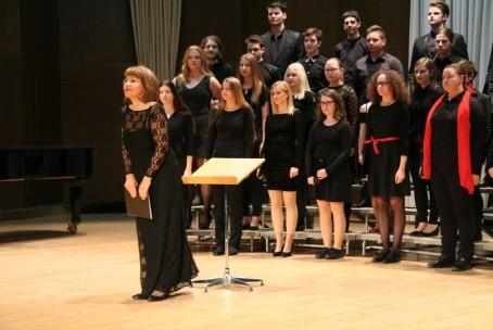 Mešani mladinski pevski zbor Šolskega centra Velenje in Kitarski orkester Glasbene šole Velenje, koncert