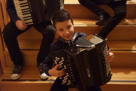 Koncert harmonikarjev Glasbene šole Velenje v Mestni knjižnici Grosuplje
