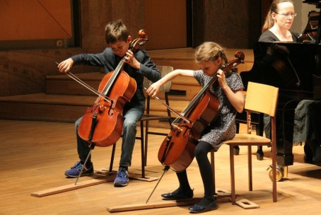 Koncert ansambla violončel iz razreda Sanje Repše, 11. 2. 2016
