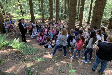 Otroški in mladinski pevski zbor Glasbene šole Velenje na OŠ Pohorskega odreda Slovenski Bistrici