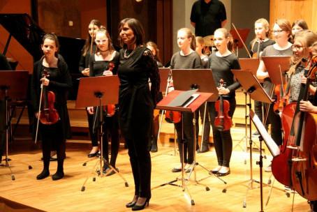 Koncert godalcev Glasbene šole Velenje, nastop učencev godal
