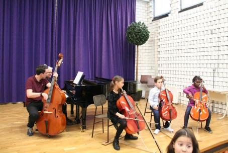 Javni nastop učencev 1. razreda godal Glasbene šole Velenje