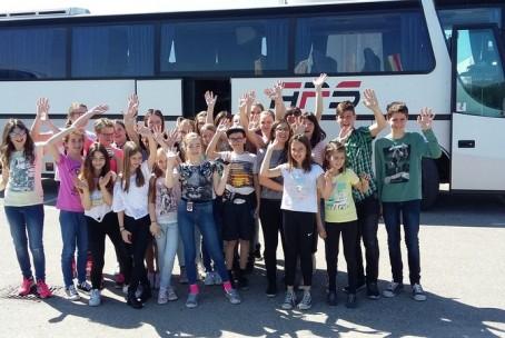 Mlajši godalni orkester Glasbene šole Velenje na 13. reviji godalnih orkestrov v Lendavi