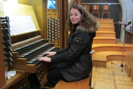 Nastop naših dijakov na koncertni maši za diplomate v Frančiškanski cerkvi Marijinega oznanjenja v Ljubljani