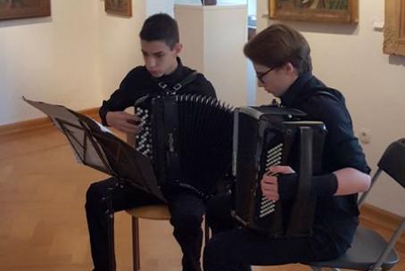 Med tipkami in gumbi, harmonikarski koncert učencev Glasbene šole Velenje, Velenjski grad