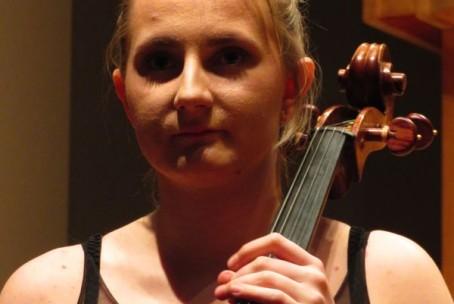 Neža Verstovšek (violončelo), predmaturitetni recital