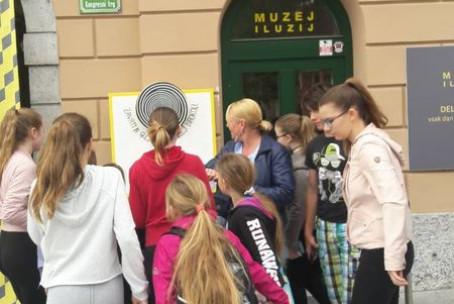 Orffov orkester Glasbene šole Velenje v Ljubljani - Muzej iluzij in Orffomanija