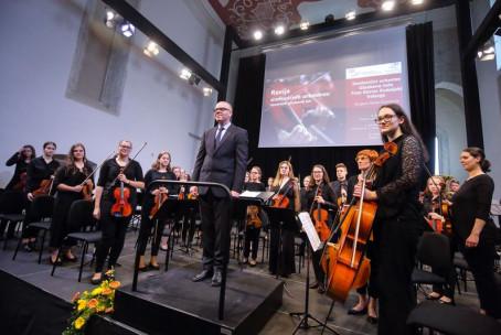 Simfonični orkester Glasbene šole Velenje na reviji simfoničnih orkestrov slovenskih glasbenih šol v Kopru