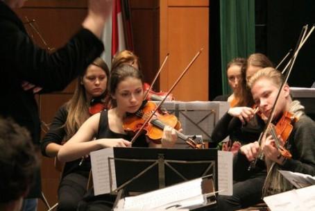 Koncert orkestrov Glasbene šole Velenje, Kulturni dom Šoštanj, 10. december 2014 (fotografije: arhiv glasbene šole in Klemen Belavić)