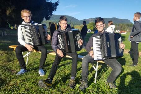 V. Avsec: Živali iz Vidine slikanice, projekt slovenskih glasbenih šol - Pikin festival, Gozdni oder
