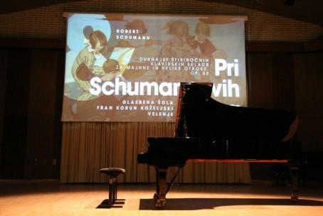 Pri Schumannovih doma, koncert učencev in dijakov aktiva za klavir