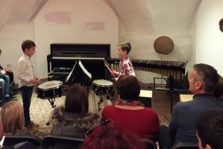 Sobotno glasbeno popoldne na Velenjskem gradu - praznični program učencev Glasbene šole Velenje
