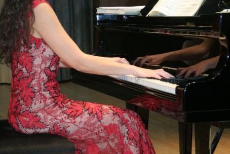 Tanja Sonc (violina) in Petja Mihneva (klavir) - 2. koncert abonmaja Klasika, 27. november 2014
