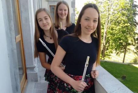 Koncert tria flavt Sweet Roses, nastop učenk Glasbene šole Velenje v cerkvi sv. Urha v Gaberkah in Modri dvorani Glasbene šole Velenje (24. in 26. 5. 2017)
