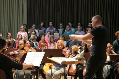 Odprta vaja simfoničnega orkestra in mladinskega pevskega zbora Glasbene šole Velenje