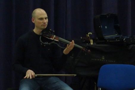 Delavnica Yamaha electric strings, vodja jazz violinist Max Grosch (Avstrija)