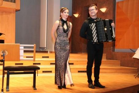 Koncert - Zarja Peters, klavir in Gašper Primožič, harmonika