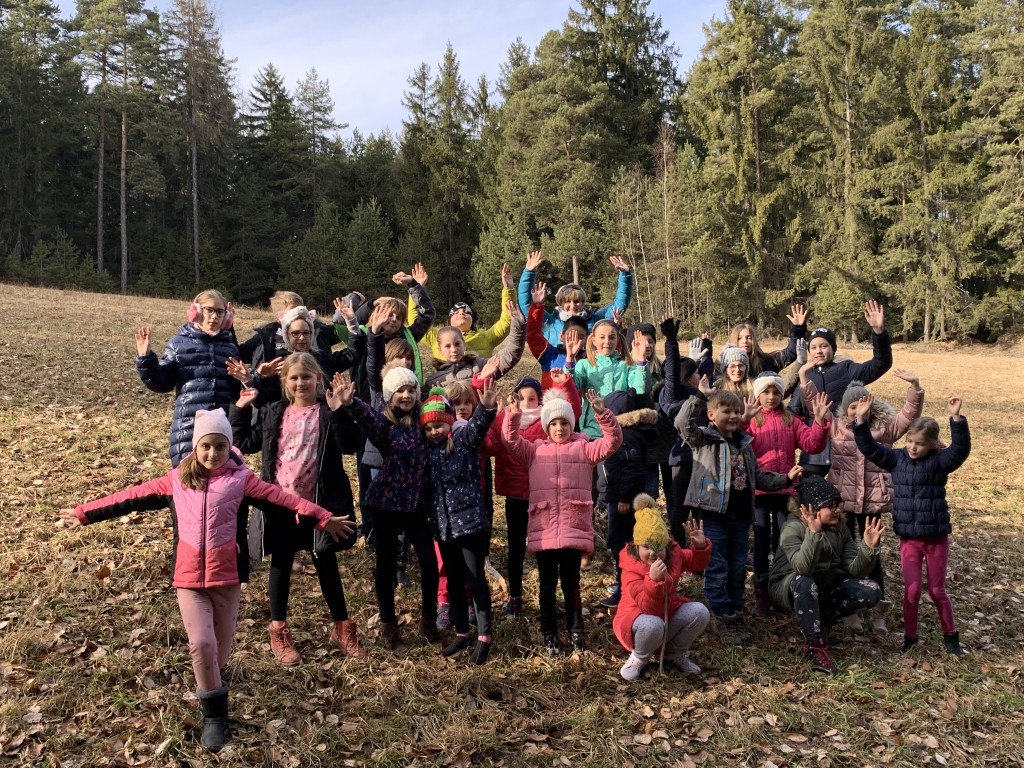 Otroški pevski zbor na pripravah v Libeličah
