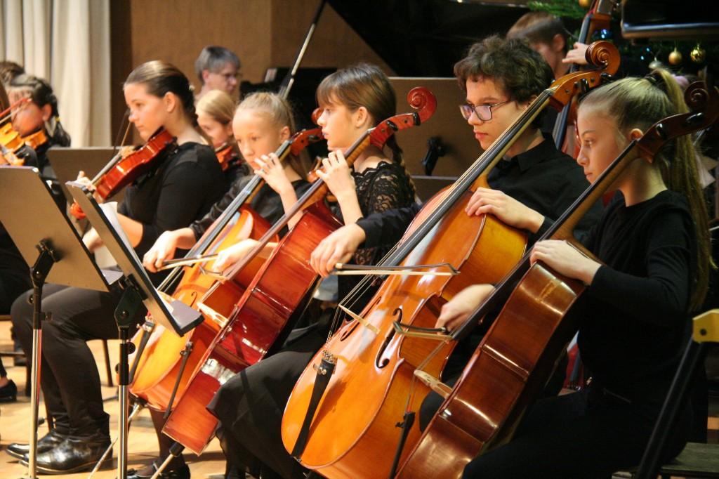 Orkestri in zbori
