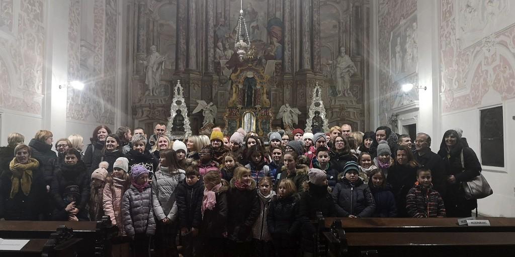 Naši godalci na obisku adventnega koncerta v Zagrebu
