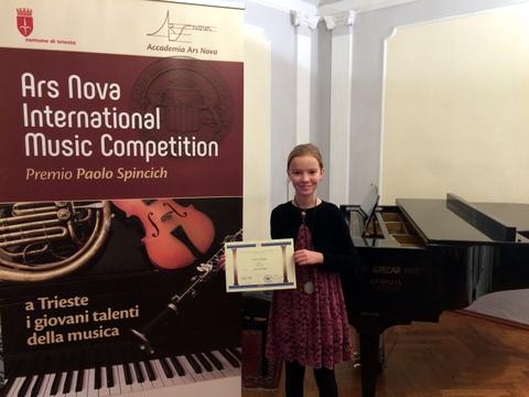 Uspeh naše mlade pianistke Ule Aurelije Gams