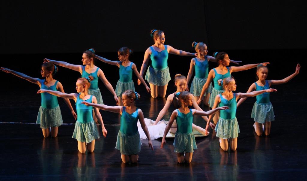 Palčica, baletni predstavi