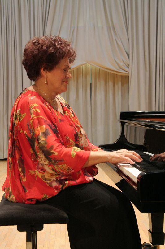 Dubravka Tomšič Srebotnjak, klavirski recital, 19. 1. 2016