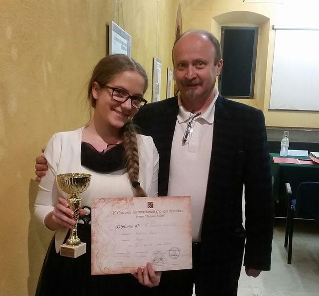 Uspeh naših harfistk na 8. mednarodnem tekmovanju mladih glasbenikov