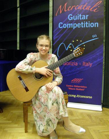 Uspeh naše učenke na tekmovanju v italijanski Gorici