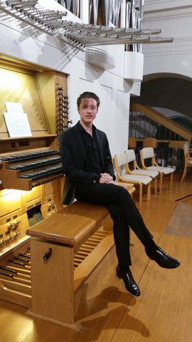 Nastop dijaka Izidorja Ostana na koncertu nagrajencev TEMSIG