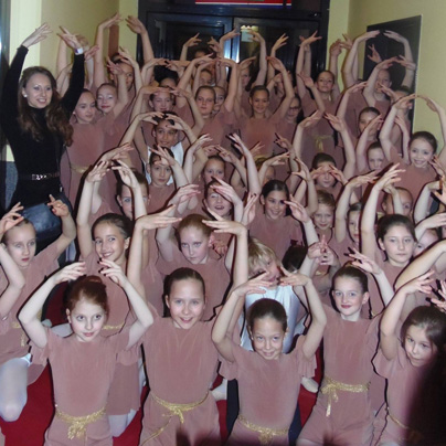 Mladi velenjski baletniki in baletke kot uvod v Labodje jezero