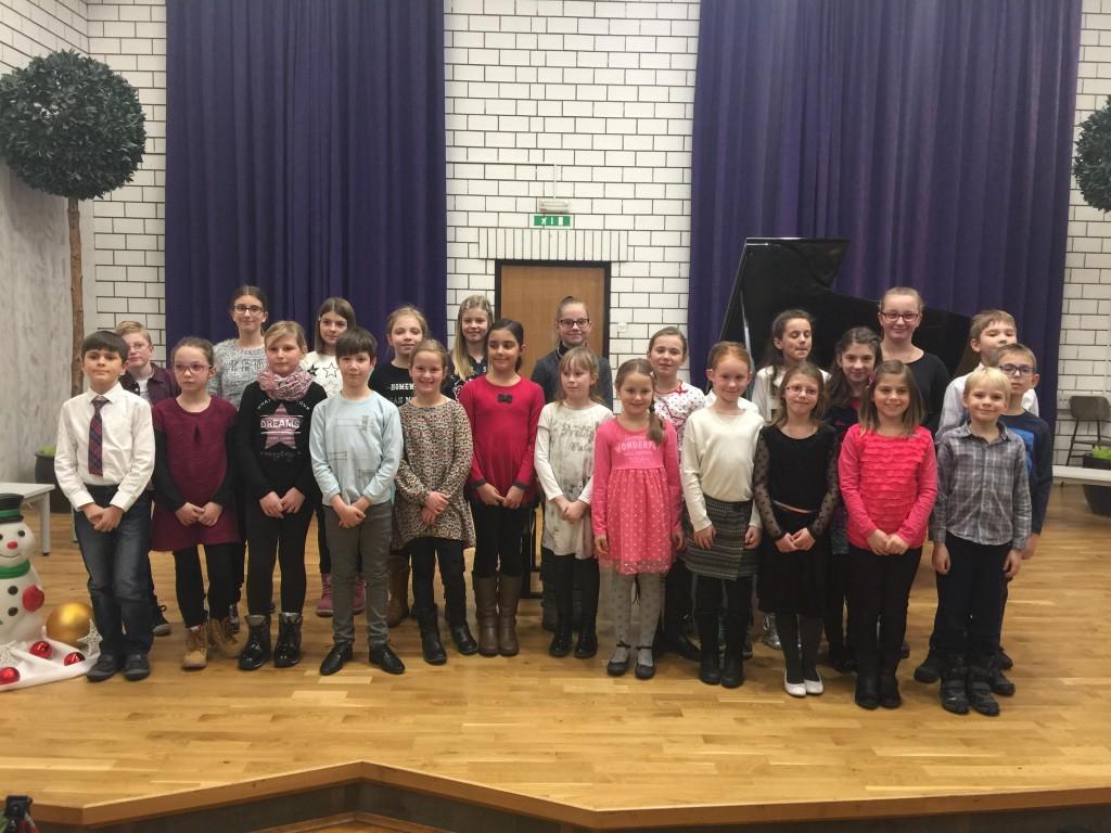 Mladi pianisti