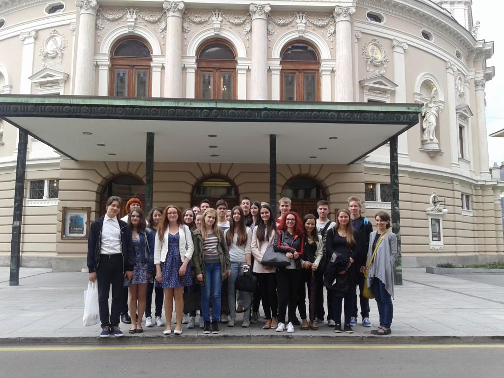 Z dijaki umetniške gimnazije smo se potepali po Ljubljani